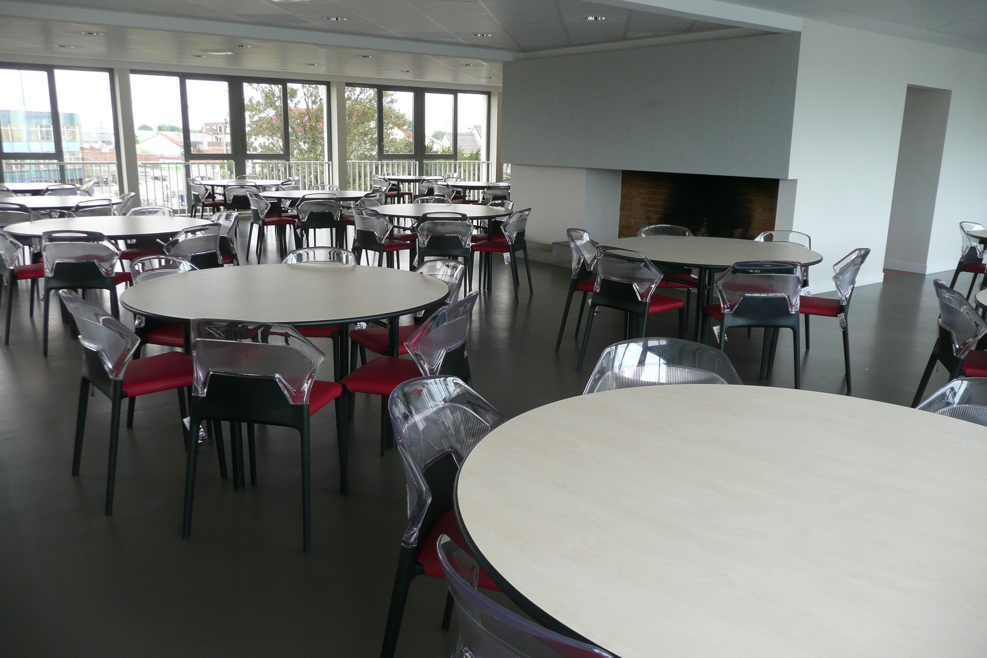 Une cafétéria design réalisée par Concept Bureau