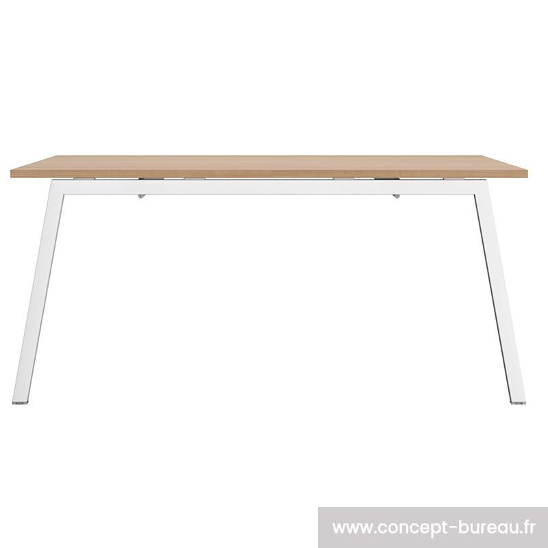 Table carrée design pour 4 personnes