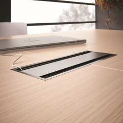 Top access trappe table