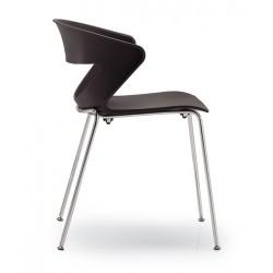 Lot de 4 chaises en polypro KICCA coloris noir piétement 4 pieds