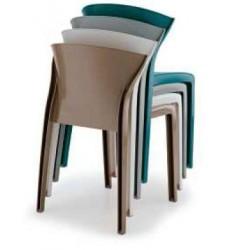 Chaise en polypropylène avec les 4 coloris disponible