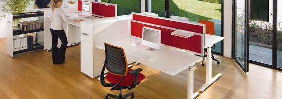 Bureaux réglables en hauteur, ergonomie au travail