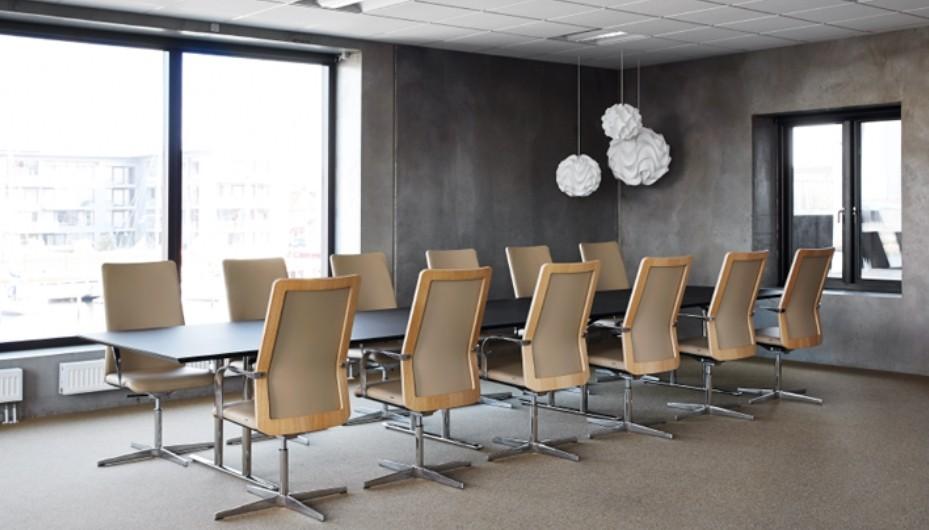 Modulez et aménagez facilement tous vos espaces grâce à la table à plateau abattable TEMPEST