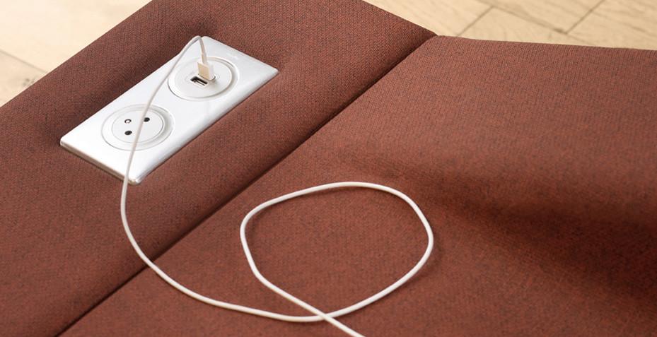 Canapé avec prise electrique Lady