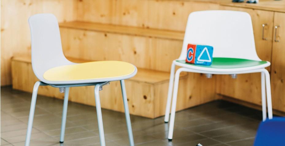 Confortable, le placet d'assise sur la chaise Yasma vous apportera un très bon confort !