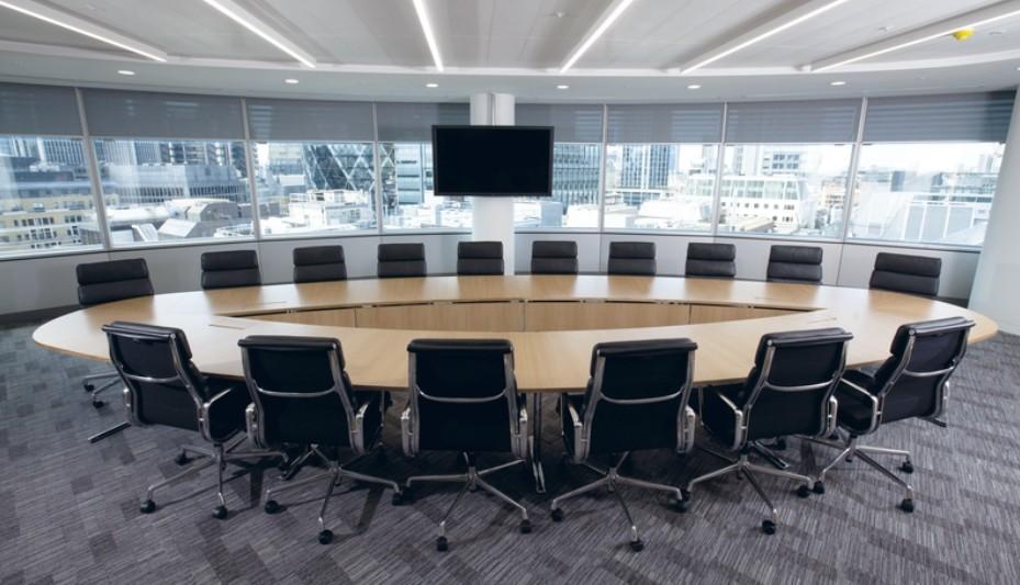 quelque soit la configuration, la table tempest s'adapte à tous les espaces